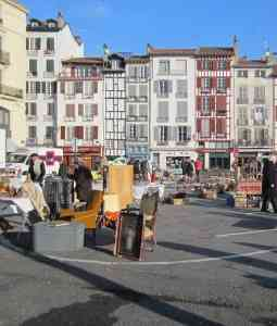 march la brocante bayonne novembre 2016. Black Bedroom Furniture Sets. Home Design Ideas