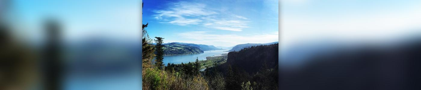 Small Group: Columbia River Gorge Waterfalls and Mt Hood Day Tour from Portland
