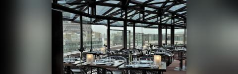 Ordinaire Rooftop Dining Experience Facing The Eiffel Tower U0026 Cruise ...